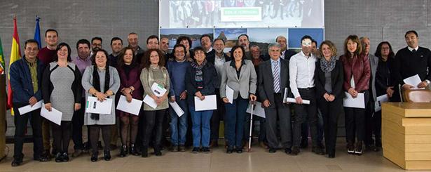 La Junta de Extremadura firma los convenios con los 24 Grupos de Acción Local