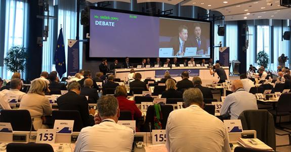 El Comité de las Regiones acepta la recomendación de ELARD y propone un porcentaje obligatorio del 8% para CLLD de FEDER y el Fondo Social Europeo, que gestionarían los GAL
