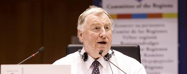 Karl-Heinz Lambertz, presidente del CdR: «El enfoque LEADER es prácticamente el único instrumento que respalda el empleo y mantiene el tejido social y económico vivo en las zonas rurales»