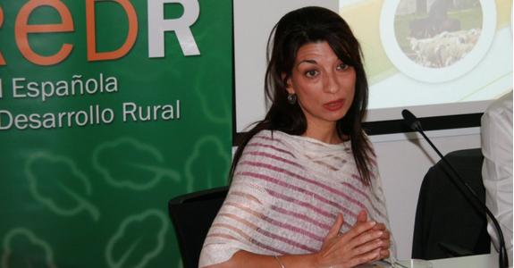 Isabel Bombal, Directora General de Desarrollo Rural del Ministerio de Agricultura: «Hay que superar la brecha urbano rural; que vivir en los pueblos sea una elección, no la última de las opciones»